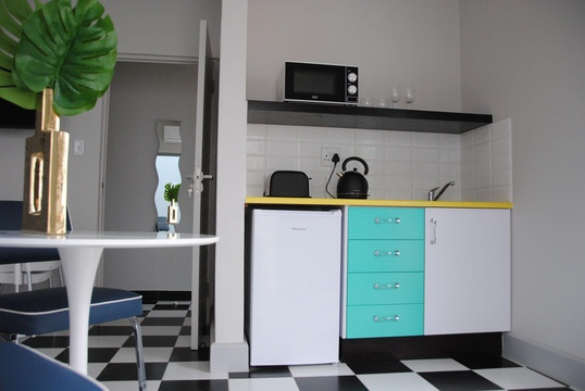 Room 1 kitchenette